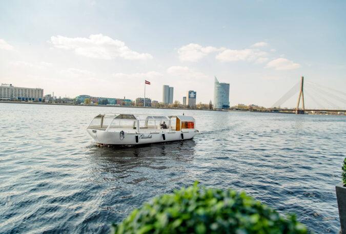 River boat ELIZABETE (12)