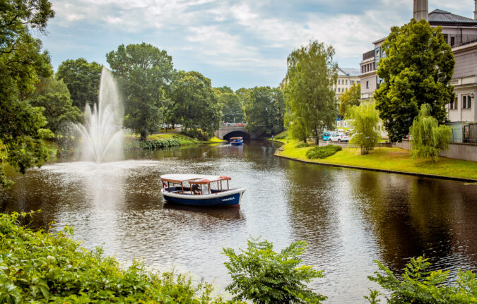 Canal boat AURORA (11)
